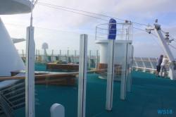 Atlantik 18.10.11 - Big Apple, weißer Strand am türkisen Meer, riesiger Sumpf AIDAluna