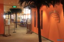 Weite Welt Restaurant Atlantik 18.10.04 - Big Apple, weißer Strand am türkisen Meer, riesiger Sumpf AIDAluna
