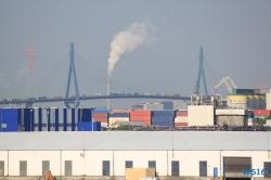 Stau-auf-der-Köhlbrandbrücke-Hamburg-16.05.18-Kurztour-mit-strahlender-Sonne-ohne-das-Schiff-zu-verlassen-066