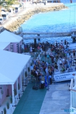 Hamilton 18.10.03 - Big Apple, weißer Strand am türkisen Meer, riesiger Sumpf AIDAluna