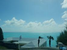 Hamilton 18.10.03 - Big Apple, weißer Strand am türkisen Meer, riesiger Sumpf AIDAluna - Foto Hannah