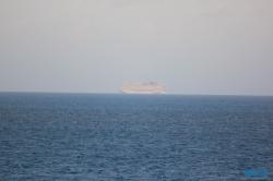 Norwegian Escape Hamilton 18.10.03 - Big Apple, weißer Strand am türkisen Meer, riesiger Sumpf AIDAluna