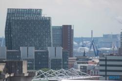Blick aus dem Hotel Mövenpick Hamburg auf die AIDAprima