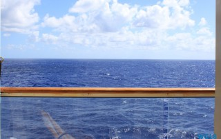 Atlantik 18.10.04 - Big Apple, weißer Strand am türkisen Meer, riesiger Sumpf AIDAluna