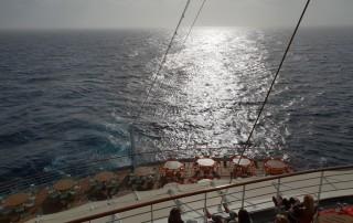 Atlantik 18.10.11 - Big Apple, weißer Strand am türkisen Meer, riesiger Sumpf AIDAluna - Foto Hannah