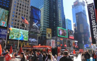 Times Square New York 18.10.12 - Big Apple, weißer Strand am türkisen Meer, riesiger Sumpf AIDAluna