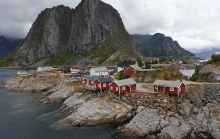 Leknes 19.08.04 - Fjorde Berge Wasserfälle - Fantastische Natur in Norwegen AIDAbella