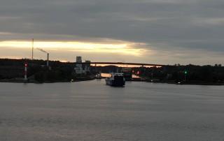 Einfahrt Nord-Ostsee-Kanal Kiel 19.10.03 - Von Kiel um Westeuropa nach Malle AIDAbella