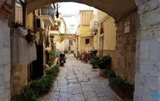 Bari 17.10.11 - Historische Städte an der Adria Italien, Korfu, Kroatien AIDAblu
